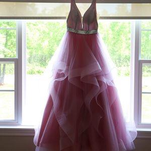 Size 6 Madison James Prom Dress